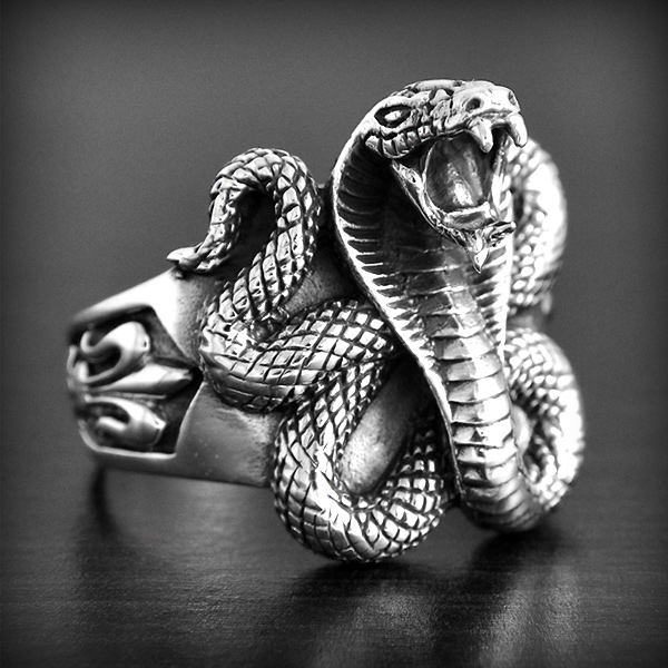bague or cobra